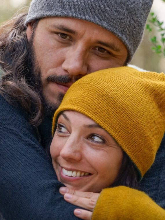 baby-alpaca-naturally-dyed-beanie-mustard-adults-03